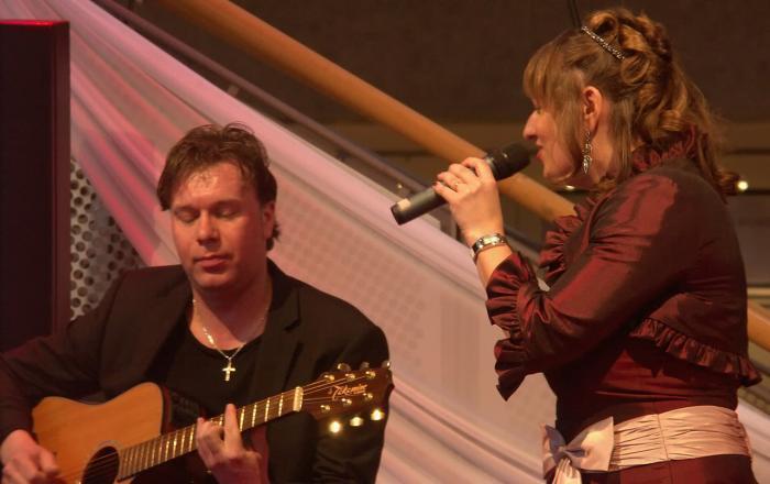 Hochzeitssängerin Anne Live mit Gitarrist