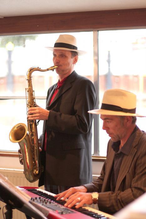 Das Softbarjazz Duo beim Auftritt