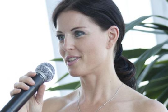 Danja Bauer - Moderatorin aus Wien