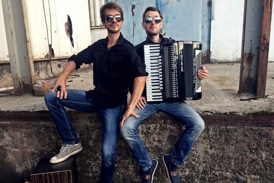 Duo Druckluft - Akkordeon-Cajon Combo Deluxe